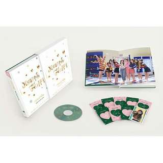 [LIMITED EDITION/PREORDER] TWICE Merry Happy Monograph