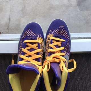 nike shoe size 6.5y cobe 6?