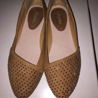 Sepatu Bata New