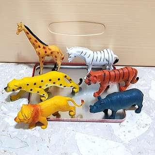 Wild animals figurines