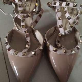 🚚 VALENTINO 卯釘鞋