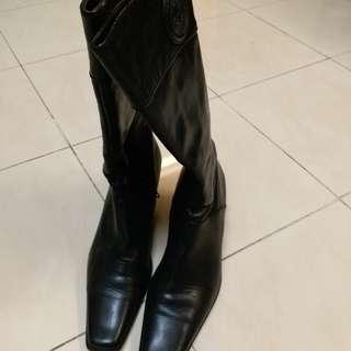 Boots (La saunda)