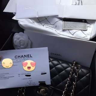 Chanel Classic Medium Black Caviar GHW