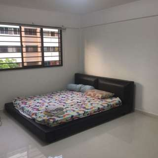 Spacious common room for Rent.. MRT at doorstep!!