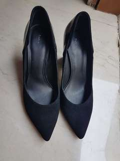 Like New!!! Pedro's Black High Heels
