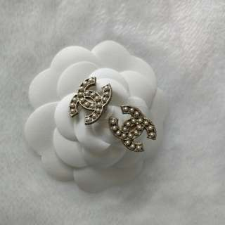 Authentic Chanel Pearls CC Earrings