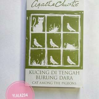 Novel agatha christie , Kucing di Tengah Burung Dara