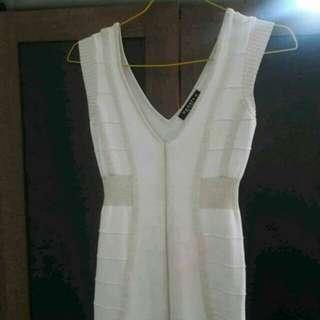 Preloved Dress Mini Seksi Fit to L Mat KNitt Rajut Tebel Cream Import Brand Update
