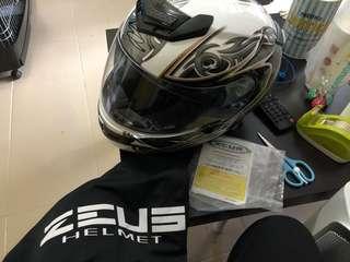 電單車s碼頭盔未戴過