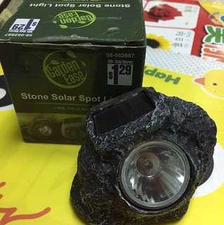 Stone solar spot light