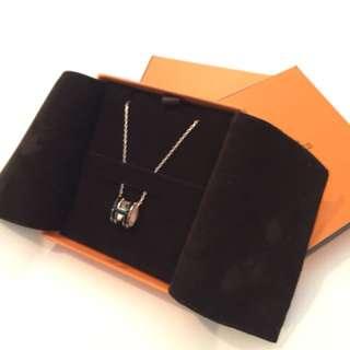 Hermés pop H necklace
