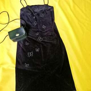 Black-violet velvet dress