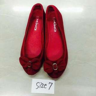 shoes @350 Size 7