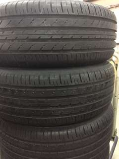 4 pieces of near new TOYO tyres 205/60/16