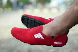 Sepatu adidas slip on size 39-43