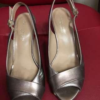 Naturalizer Ladies Sandals
