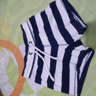 Baby shorts - stripes
