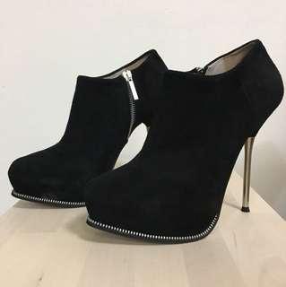 ZARA 拉鏈造型踝靴 黑色