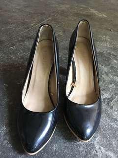 Parisian Preloved Shoes