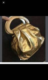 全新金色手挽大容量袋,樣版,超輕,party banquet 謝師宴 New golden handbag big volume , sample