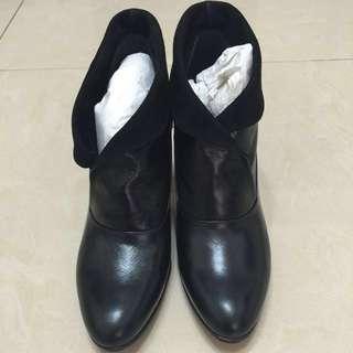 🚚 專櫃TAS羊皮短靴