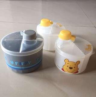 Milk powder/formula dispenser