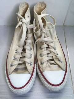 Authentic high cut Converse (yellow)