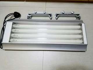 出售魚缸燈   Ada T5 燈 $400 ( 66×27cm )
