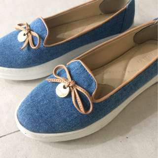 Symbolize Shoes, Sepatu Sneakers Flat Wedges