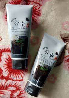 FOODAHOLIC DAILY PURIFYING CHARCOAL FOAM CLEANSER 180ml.
