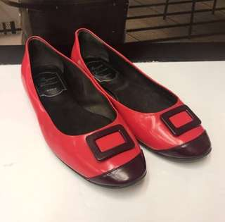 清貨Roger Vivier Patent Flat Shoes