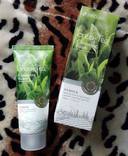 3W CLINIC GREEN TEA FOAM CLEANSER 100ml.
