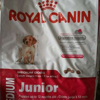 Royal canin medium junior makanan anjing