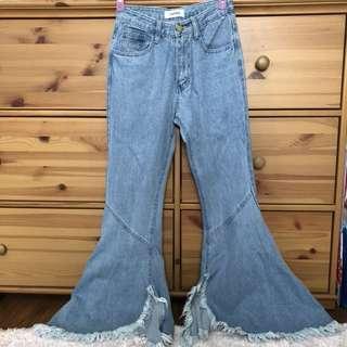 🚚 流蘇下擺設計 不修邊樣式牛仔喇叭褲
