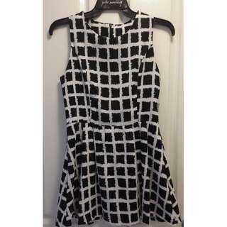 Women's Black & White Checkered Sleeveless Dress [AU8]