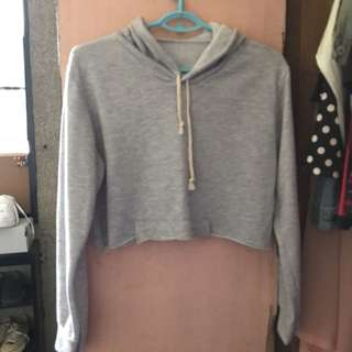 Gray cropped pull over w/hoodie