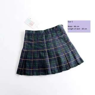 ✨ Green Plaid Skirt ✨
