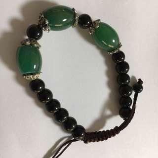Green jade crystal bracelet with black agate