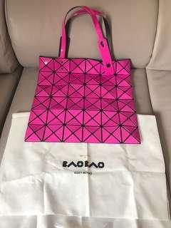 Bao bao issey miyake 6x6 桃紅色