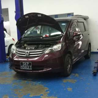 Honda Freed 1.5L Uber Grab Auto MPV 7 seater