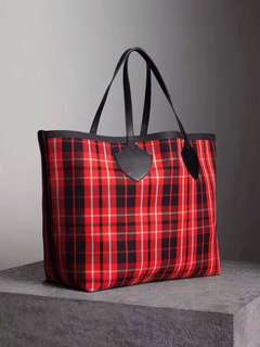 Burberry large shopping tote bag