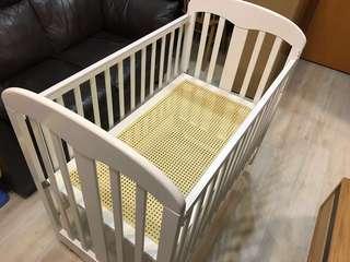 BB床 90%New LA BABY 歐洲款嬰兒床 - 白木色