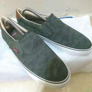 Levi's Justin slip on Men Canvas Shoes - Dark Khaki Beige