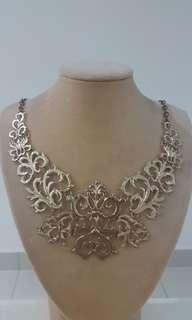 Gold design necklace