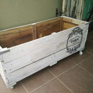 Outdoor wooden box