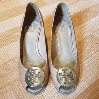 AUTHENTIC Used Tory Burch Wedge size 37 beige