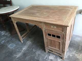 Colonial Writing Desk (Teakwood)