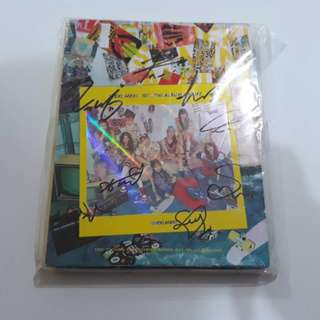 ON HAND SEALED [SIGNED] WEKI MEKI 1st Mini Album - WEME