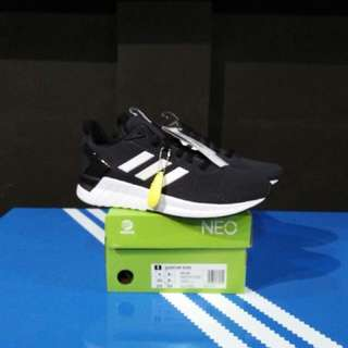 Adidas ORIGINAL BNIB  Questar Ride black white