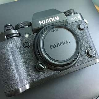 Fujifilm X-T2 + VBP-XT2 Battery Grip + Extra items